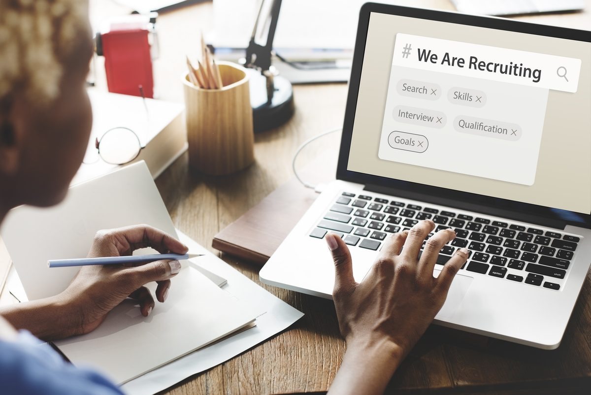how to find employees for small business